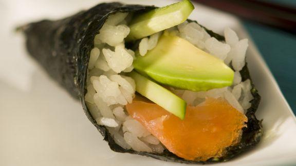 Rezept: Temaki mit Lachs und Avocado