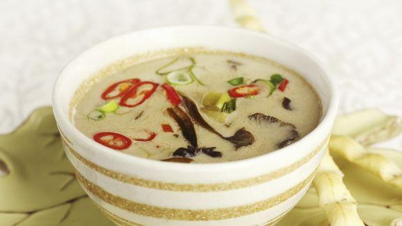 Rezept: Thailändische Kokos-Pfifferlingssuppe