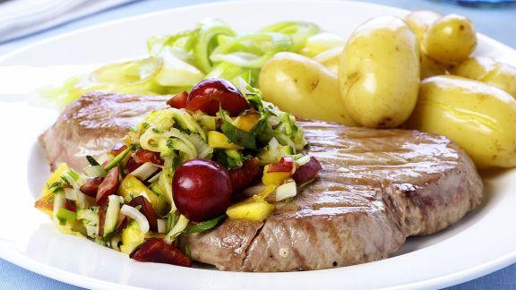 Rezept: Thunfisch mit Gemüse und Kirschen