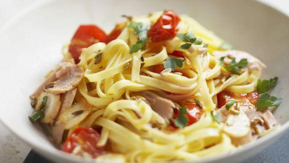 Rezept: Thunfisch-Pasta mit Cherrytomaten und Fenchelsamen