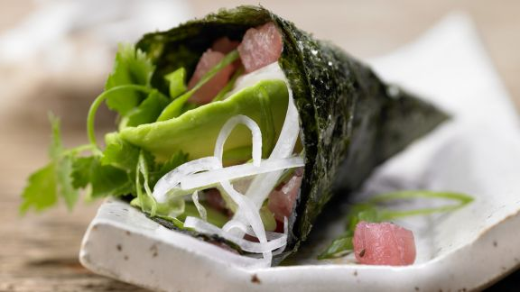 Rezept: Thunfisch-Tatar in Sushi-Tüten