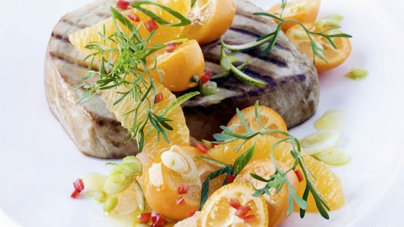 Rezept: Thunfischsteak vom Grill mit Zitussalsa