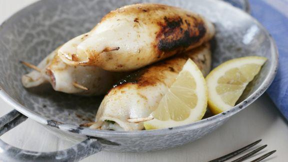 Rezept: Tintenfische mit Schafskäse Füllung vom Grill