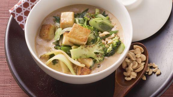 Rezept: Tofu und Brokkoli in Erdnusssoße