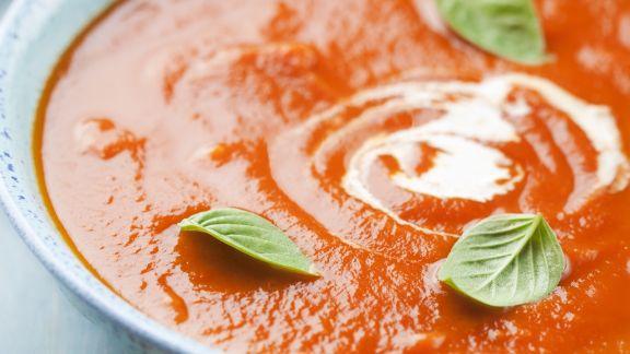 Rezept: Tomaten-Karotten-Suppe mit Zwiebeln und Balsamico