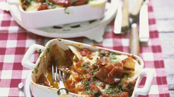 Rezept: Tomaten-Schinken-Lasagne mit Zitronenpesto