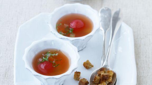 Rezept: Tomatenbrühe mit Gemüse