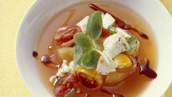 Rezept: Tomatensuppe mit Mozzarella di Bufala Campana