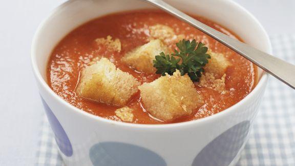 Rezept: Tomatensuppe mit Croutons