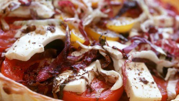 Rezept: Tomatentarte mit Rotkohl und Käse