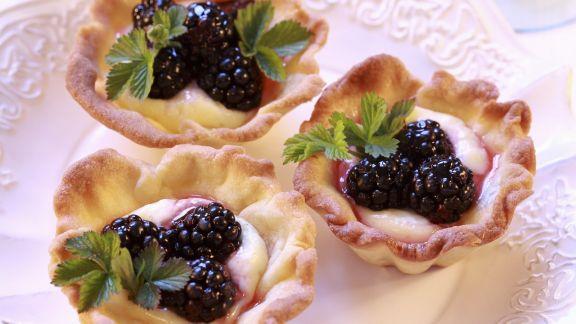 Rezept: Tortelett mit Vanillecreme und Brombeeren