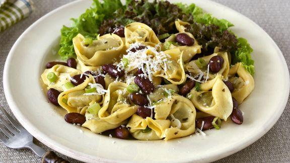 Rezept: Tortellini mit Spinatfüllung dazu Kideybohnen