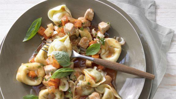 Rezept: Tortellini mit Putensauce