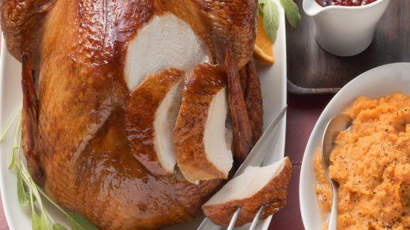 Rezept: Truthahnbraten mit Preiselbeersoße und Süßkartoffelpüree