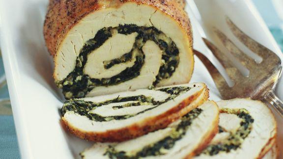 Rezept: Truthahnrollbraten mit Spinat gefüllt