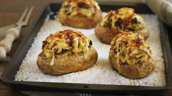 Rezept: Überbackene Kartoffeln im Salzbett