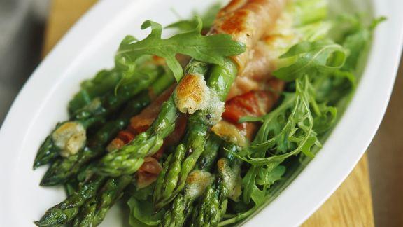 Rezept: Überbackener Spargel im Prosciutto-Mantel