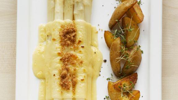 Rezept: Überbackener Spargel mit Bratkartoffeln