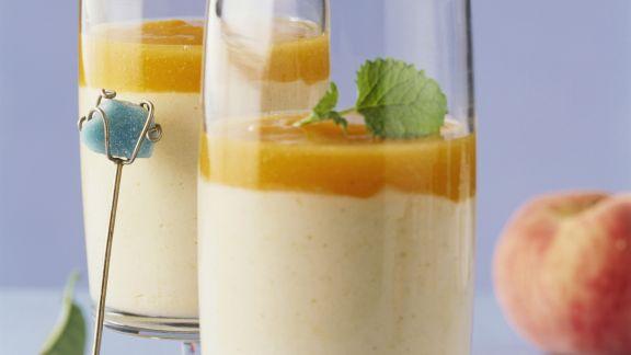 Rezept: Vanillejoghurt mit Pfirsichmus