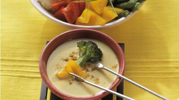vegetarisches fondue mit curry rezept eat smarter. Black Bedroom Furniture Sets. Home Design Ideas