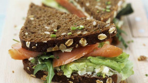 Rezept: Vollkornsandwich mit Lachs