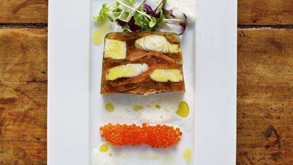 Rezept: Wallerterrine mit Kaviar von der Forelle