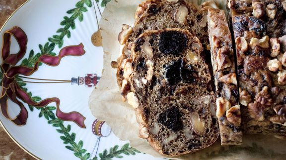 Rezept: Walnuss-Pflaumen-Brot
