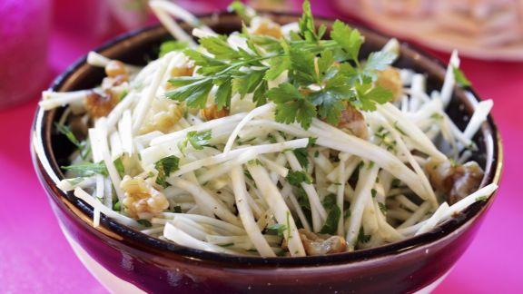 Rezept: Walnuss-Sellerie-Salat