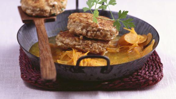 Rezept: Walnuss-Tofu-Bratlinge mit Karottengemüse