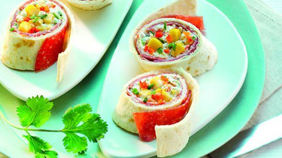 Rezept: Warme Wraps mit Hähnchen-Salami