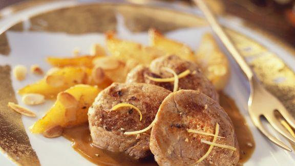 Rezept: Weihnachtliche Frischlingsmedaillons mit Birnenkompott
