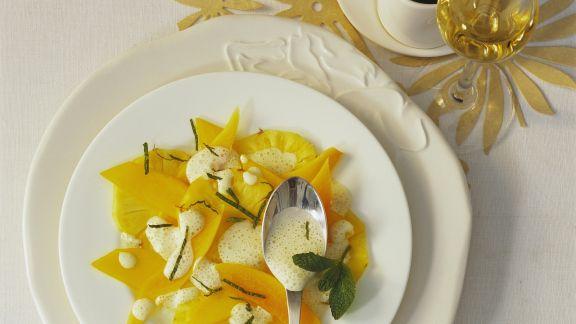 Rezept: Weihnachtlicher Mango-Ananas-Salat