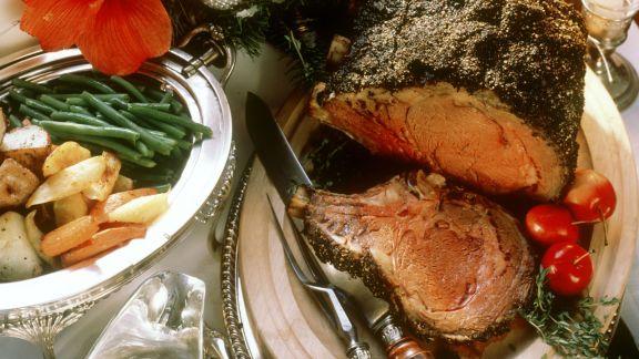 Rezept: Weihnachtlicher Rinderbraten mit Beilagen