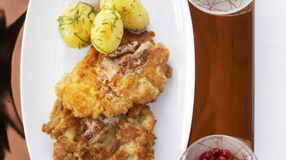 Rezept: Wiener Schnitzel mit Kartoffeln und Gurkensalat