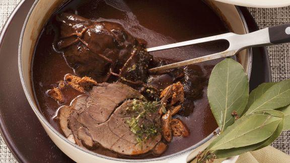 Rezept: Wildschwein in Lebkuchen-Rotweinsoße