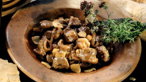 Rezept: Wildschwein in Rotwein nach korsischer Art
