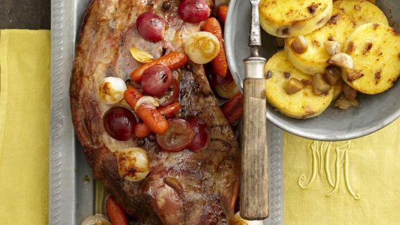 Rezept: Wildschweinkeule mit Kastanien und Maisbrei (Polenta)
