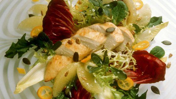Rezept: Winterlicher Blattsalat mit Hähnchen
