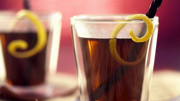 Rezept: Winterlicher Lakritze-Drink mit Black-Sambuca