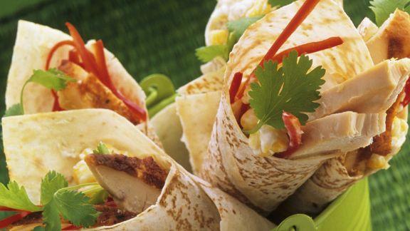 Rezept: Wraps mit Hähnchen, Paprika und Koriander