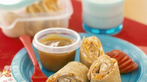 Rezept: Wraps mit Schinken, Käse und Karotten dazu Dip