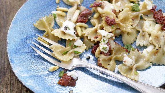 Rezept: Würzige Mozzarella-Nudeln