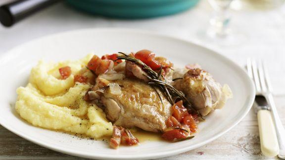 Rezept: Würziges Hähnchen mit Kartoffelbrei, Tomaten und Knoblauch