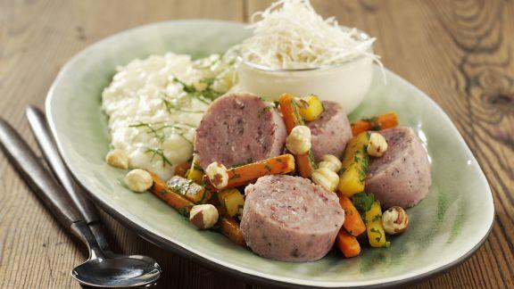 Rezept: Wurstsalat mit Meerrettich und Püree aus Pastinake