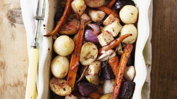 Rezept: Wurzelgemüse aus dem Ofen mit Honig, Thymian und Kümmel