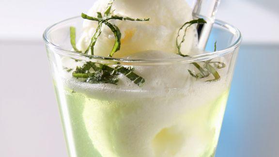 Rezept: Zitronensorbet im Kräutertee