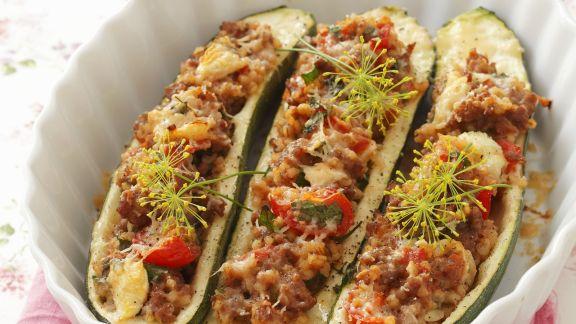 Rezept: Zucchini mit Hackfleisch-Graupen-Füllung