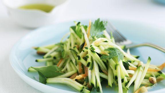 Rezept: Zucchini-Rohkost-Salat