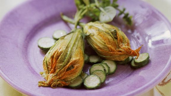Rezept: Zucchinilüten mit Ricottafüllung