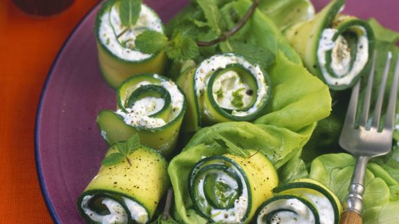 Rezept: Zucchiniröllchen mit Frischkäsefüllung
